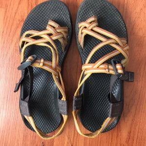 Size 8 CHACOS!